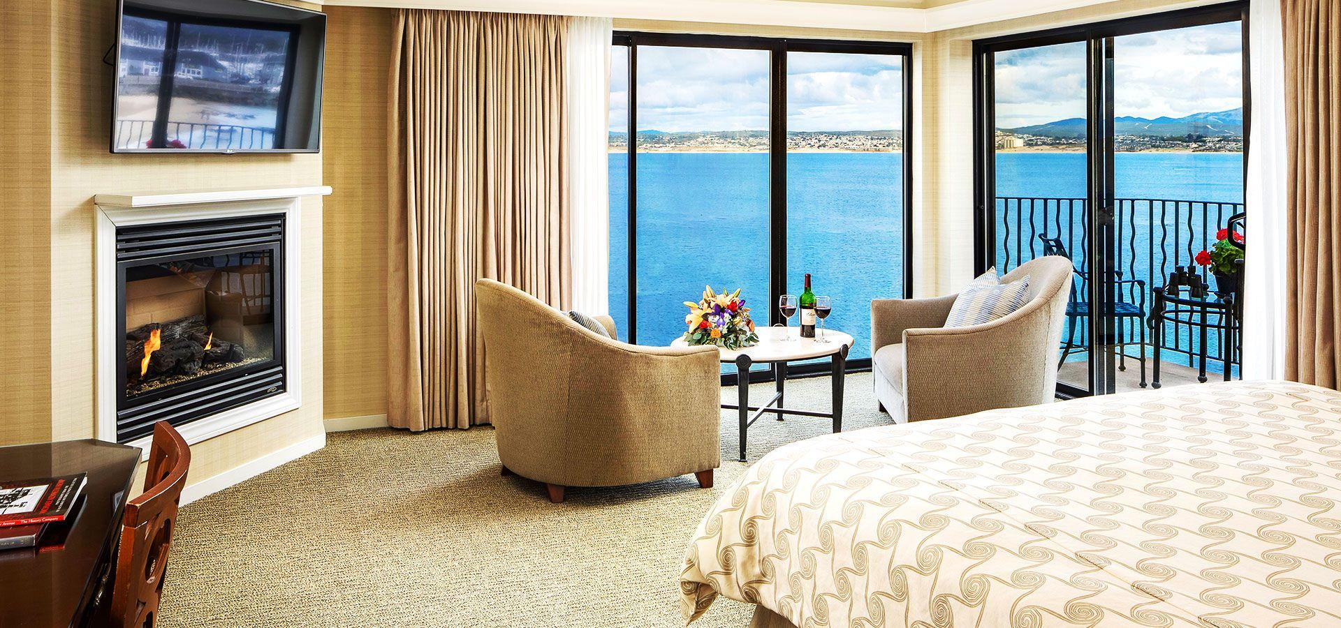 Stay in Monterey Bay Inn, California Hotel